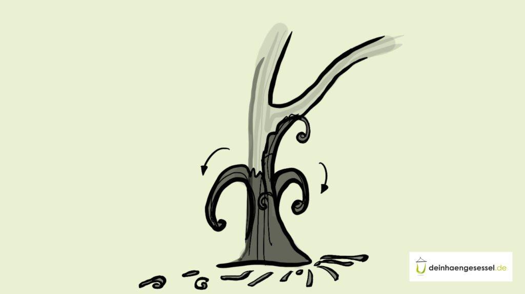 Zu sehen ist ein Baumstamm, der gerade geschält wird