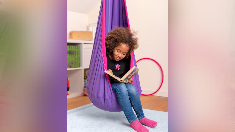 Eine Hängehöhle im Kinderzimmer ist der perfekte Ort zum Lesen